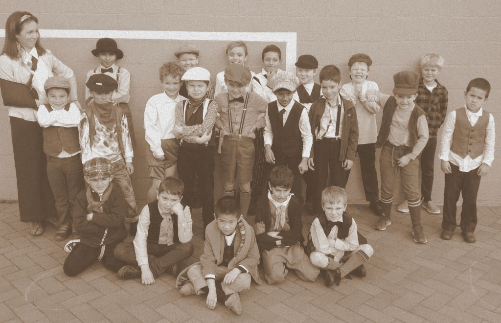Fun 1900's Day at Newington College – Year 2 Recount   Wyvern